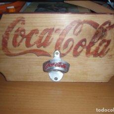 Coleccionismo de Coca-Cola y Pepsi: ABRIDOR DE COCACOLA EN MADERA. Lote 112566163