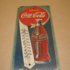 Coleccionismo de Coca-Cola y Pepsi: TERMOMETRO COCA COLA CARTON FUNCIONANDO . THIRST KNOWS NO SEASON, 43 X 17 CM. AÑO 1944 MASONITE. Lote 112801963