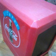 Coleccionismo de Coca-Cola y Pepsi: VIEJO SERVILLETERO DE LA MARCA COCA-COLA,VINTAGE AÑOS 80-90. Lote 113300568