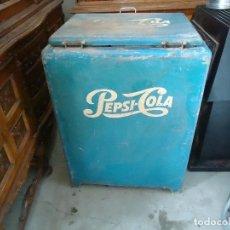 Coleccionismo de Coca-Cola y Pepsi: NEVERA PEPSI COLA. Lote 115634879