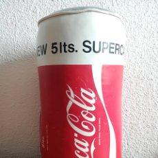 Coleccionismo de Coca-Cola y Pepsi: COCA COLA STUFF SPANISH COLLECTIBLE VINTAGE 1983 PUBLICIDAD COKE COJIN ALMOHADA PILLOW LATA CAN. Lote 118708680