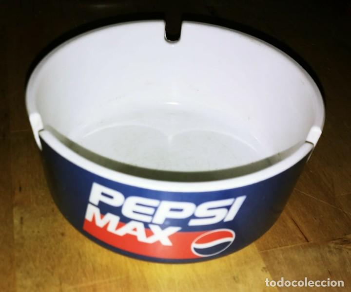Coleccionismo de Coca-Cola y Pepsi: Cenicero PEPSI MAX Plástico duro. Diámetro 10,2cm Altura 4,8cm - Foto 2 - 119457283