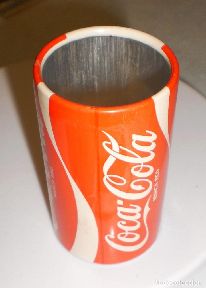 Coleccionismo de Coca-Cola y Pepsi: MERCHANDISING COCA-COLA: BOTE (DE MECHERO) ESPAÑA82 BRASIL CAMPEÓN DEL MUNDO FORMA LATA COCA-COLA - Foto 2 - 119568699
