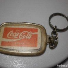 Coleccionismo de Coca-Cola y Pepsi: MERCHANDISING COCA-COLA: LLAVERO 'BEBA COCA-COLA' ORIGINAL. Lote 119673319
