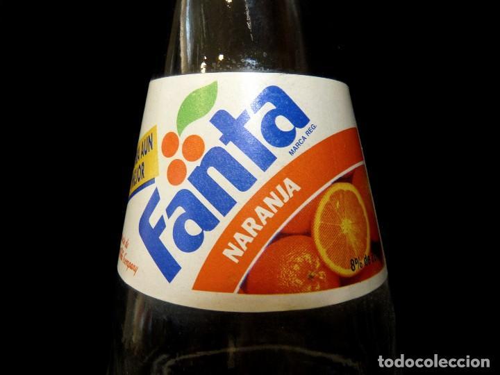 Coleccionismo de Coca-Cola y Pepsi: ANTIGUA BOTELLA DE FANTA NARANJA 1 LITRO AÑOS 90. SIN TAPÓN (2) - Foto 4 - 121113371