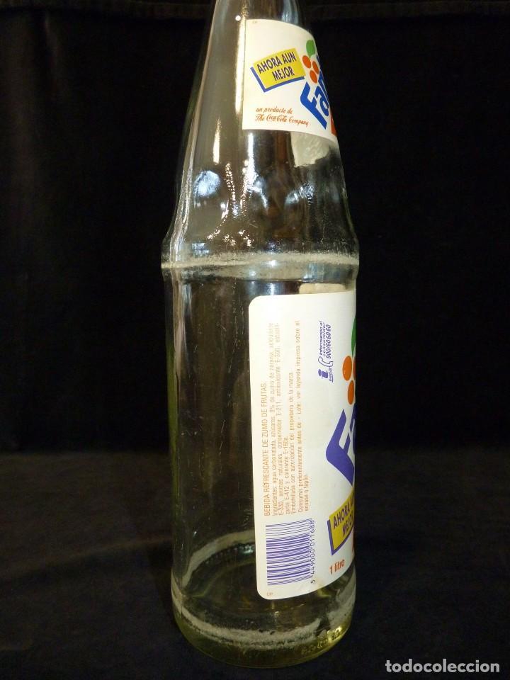 Coleccionismo de Coca-Cola y Pepsi: ANTIGUA BOTELLA DE FANTA NARANJA 1 LITRO AÑOS 90. SIN TAPÓN (2) - Foto 5 - 121113371