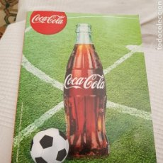 Coleccionismo de Coca-Cola y Pepsi: GRAN CUADERNO DE COCA COLA 2012 CON PEGATINAS PARA JUGAR AL FÚTBOL CHAPAS . COMPLETO.. Lote 128095662
