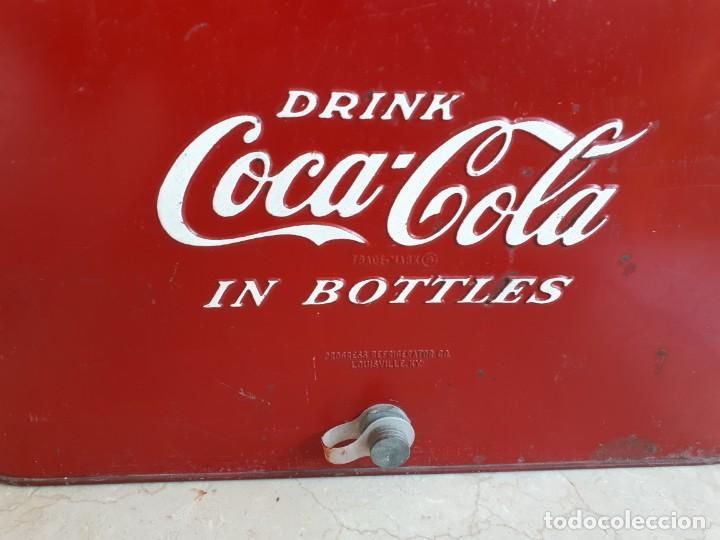 Coleccionismo de Coca-Cola y Pepsi: Antigua Nevera Coca-Cola Americana de Hielo Pic Nic. Orignal años 40s. Louisville New York, USA. - Foto 2 - 130779036