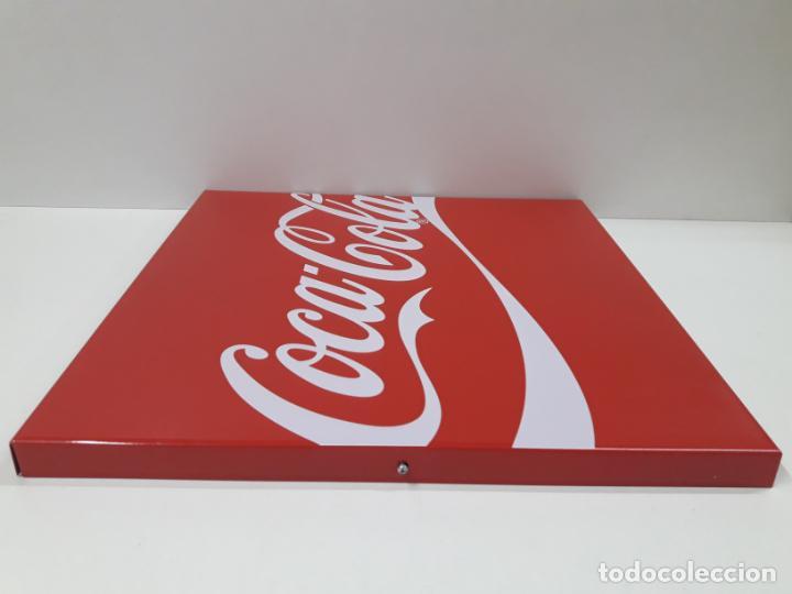 Coleccionismo de Coca-Cola y Pepsi: PLACA - CHAPA PROPAGANDA DE COCA COLA . ORIGINAL AÑOS 80 / 90 . MEDIDA 44 X 44 CM - Foto 6 - 132013598