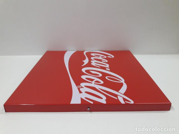 Coleccionismo de Coca-Cola y Pepsi: PLACA - CHAPA PROPAGANDA DE COCA COLA . ORIGINAL AÑOS 80 / 90 . MEDIDA 44 X 44 CM - Foto 7 - 132013598