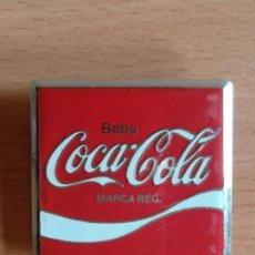 Coleccionismo de Coca-Cola y Pepsi: INSIGNIA PUBLICIDAD BEBA COCA-COLA - COKE EMBLEMA COCACOLA. Lote 132748275