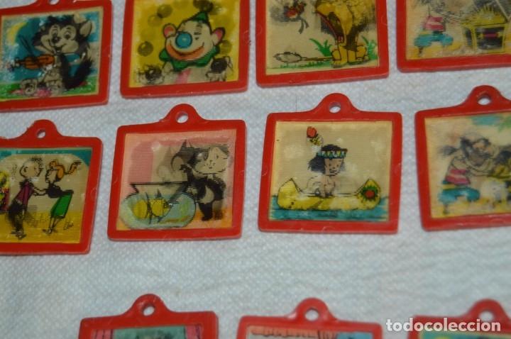 Coleccionismo de Coca-Cola y Pepsi: Lote de 15 antiguos llaveros holográficos VISTANIMADA - En su dorso publicidad COCA COLA - Años 60. - Foto 6 - 133620186