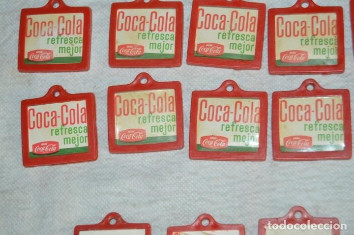 Coleccionismo de Coca-Cola y Pepsi: Lote de 15 antiguos llaveros holográficos VISTANIMADA - En su dorso publicidad COCA COLA - Años 60. - Foto 14 - 133620186