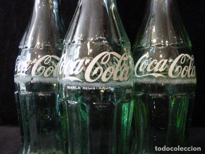 Coleccionismo de Coca-Cola y Pepsi: LOTE DE 3 BOTELLINES CRISTAL DE COCA COLA SERIGRAFIADOS. 19 CL. BOTELLA COCACOLA - Foto 5 - 133993042