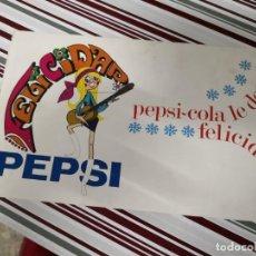 Coleccionismo de Coca-Cola y Pepsi: POSTAL DE FELICITACIONES PEPSI-COLA LE DESEA FELICIDAD. MATERIAL TIPO CARTULINA. Lote 171052275