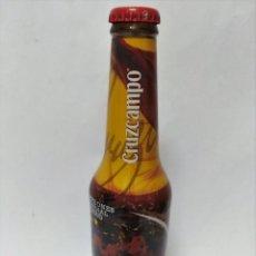Coleccionismo de Coca-Cola y Pepsi: CERVEZA CRUZ CAMPO - BOTELLA CAMPEONES DEL MUNDO 2010 CHAPA LLENA MUNDIAL FUTBOL. Lote 139658798
