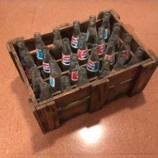 Coleccionismo de Coca-Cola y Pepsi: ANTIGUA CAJA DE MADERA BOTELLINES DE PEPSI. Lote 139904394