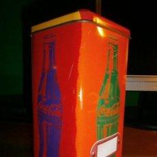 Coleccionismo de Coca-Cola y Pepsi: CAJA METÁLICA DE COCA COLA - DISEÑO RETRO - POP ART.. Lote 143358138