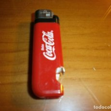Coleccionismo de Coca-Cola y Pepsi: ENCENDEDOR MECHERO ABREBOTELLAS DE PLÁSTICO COCA COLA - FUNCIONANDO !!!. Lote 143389254
