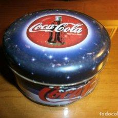 Coleccionismo de Coca-Cola y Pepsi: CAJA DE LATA NAVIDAD COCA COLA CON VELA.. Lote 143497882