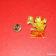 Coleccionismo de Coca-Cola y Pepsi: COCA-COLA PIN COBI TENIS JJOO BARCELONA 1992 COKE. Lote 146423114