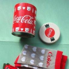 Coleccionismo de Coca-Cola y Pepsi: BOTE DE LA CASA COCA COLA CON DOS BONITOS PARES DE CALCETINES. Lote 147563594
