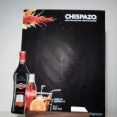 Coleccionismo de Coca-Cola y Pepsi: PEQUEÑA PIZARRA PUBLICITARIA DE COCA-COLA Y CHISPAZO MARTINI (CON CABALLETE) 36 CM X 24 CM. Lote 150178302