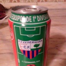 Coleccionismo de Coca-Cola y Pepsi: LATA COCACOLA EXTREMADURA CF. Lote 151381334
