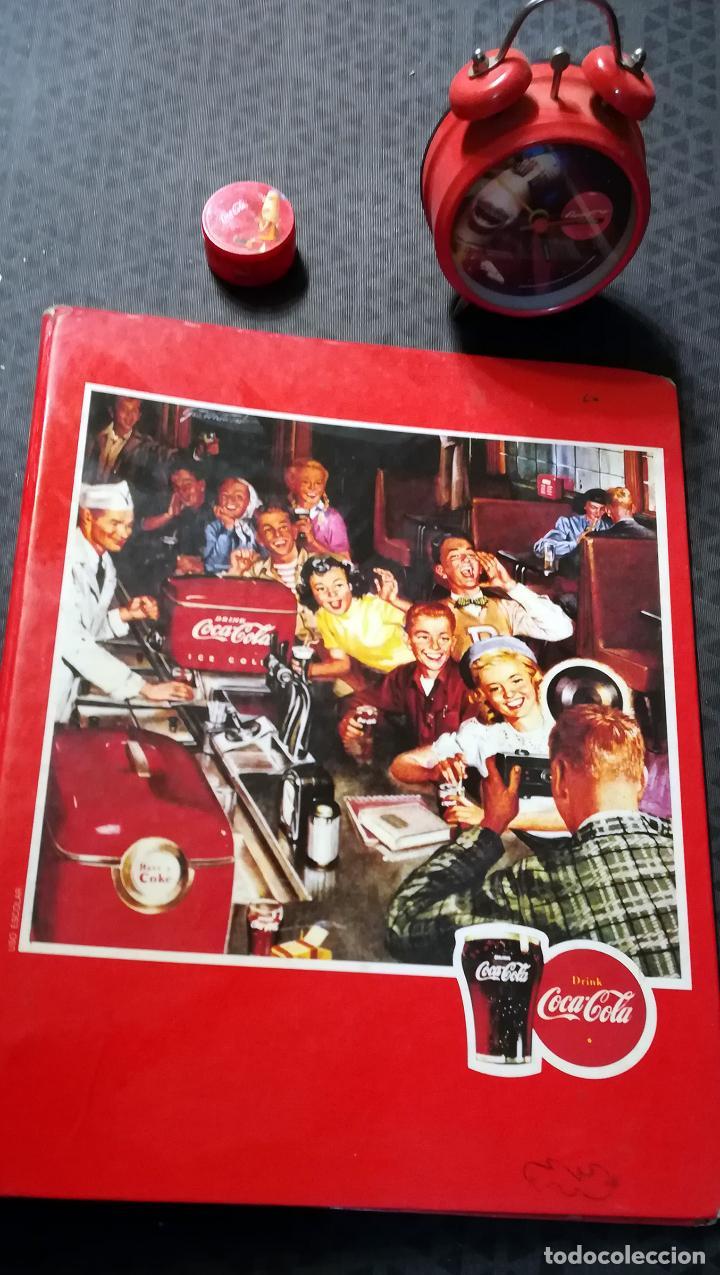 4 PIEZAS VINTAGE DE - CARPETA - RELOJ DESPERTADOR-CUADRO Y SACA - PUNTAS DE - COCA-COLA - AÑO 1982 (Coleccionismo - Botellas y Bebidas - Coca-Cola y Pepsi)
