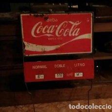 Coleccionismo de Coca-Cola y Pepsi: ANTIGUO EXPOSITOR COCA COLA CON RUEDAS DE PRECIOS. Lote 154823610