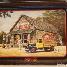 Coleccionismo de Coca-Cola y Pepsi: BANDEJA COCA-COLA EDICIÓN LIMITADA. IMAGEN FIRMADA POR LA ARTISTA PAMELA C. RENFROE. . Lote 157235854