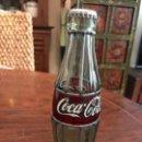 Coleccionismo de Coca-Cola y Pepsi: BOTELLA COCA-COLA DE CRISTAL EMPLOMADA. EFECTO VIDRIERA.. Lote 159853338