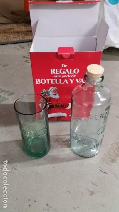 PACK BOTELLA COCA-COLA 1 LITRO - REPLICA AÑOS 1899-1902 Y VASO (Coleccionismo - Botellas y Bebidas - Coca-Cola y Pepsi)