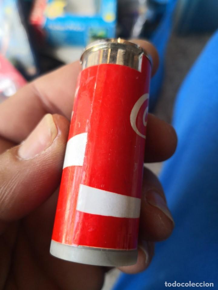 Coleccionismo de Coca-Cola y Pepsi: Mechero a gas de 1980 forma de lata de coca cola - Foto 2 - 162544890