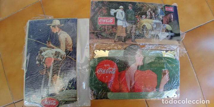 CARTEL PUBLICITARIO DE COCA-COLA 3 PLACAS DE CHAPA MEDIDAS-32 X 17 Y 32 X 15-PRECINTADAS-REPLICAS (Coleccionismo - Botellas y Bebidas - Coca-Cola y Pepsi)