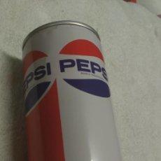 Coleccionismo de Coca-Cola y Pepsi: LATA PEPSI ( PEPSI-PEPSICOLA ) AÑOS 70 (HECHA EN ACERO). Lote 169041772