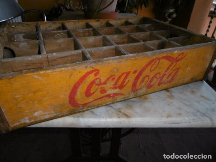 ANTIGUA CAJA AMARILLA ORIGINAL COCA-COLA DE MADERA. (Coleccionismo - Botellas y Bebidas - Coca-Cola y Pepsi)