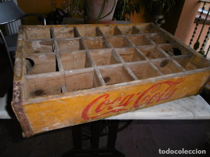Coleccionismo de Coca-Cola y Pepsi: ANTIGUA CAJA AMARILLA ORIGINAL COCA-COLA DE MADERA. - Foto 4 - 169056660