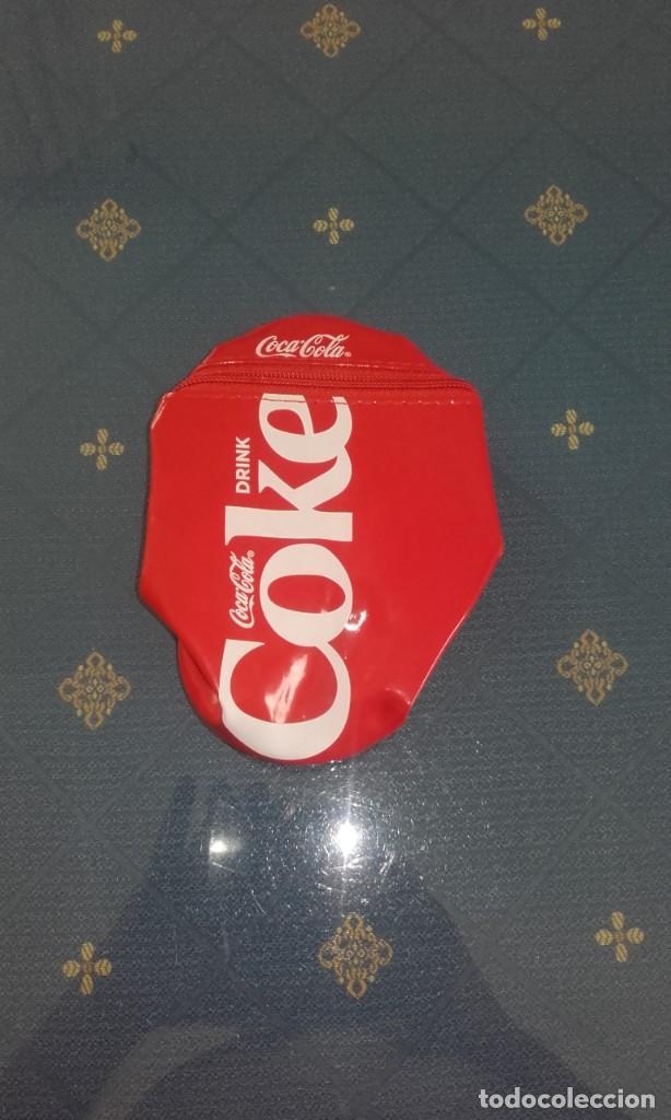 Coleccionismo de Coca-Cola y Pepsi: PORTA LATAS/ESTUCHE COCA COLA (16 X 8 CMS) - Foto 2 - 169065636