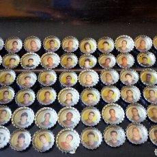Coleccionismo de Coca-Cola y Pepsi: 90CHAPAS COCA COLA CROMOS FCB MESI ,PUYOL INIESTA ,XAVI ,ETOO RICKJKARD DECO,RONALDIHNO ,EUSEBIO ,. Lote 171044613