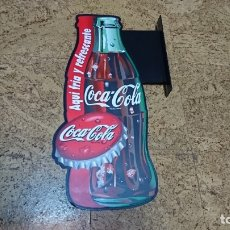 Coleccionismo de Coca-Cola y Pepsi: CARTEL PUBLICITARIO COCA-COLA, 60 CM, PLASTICO. Lote 176050408