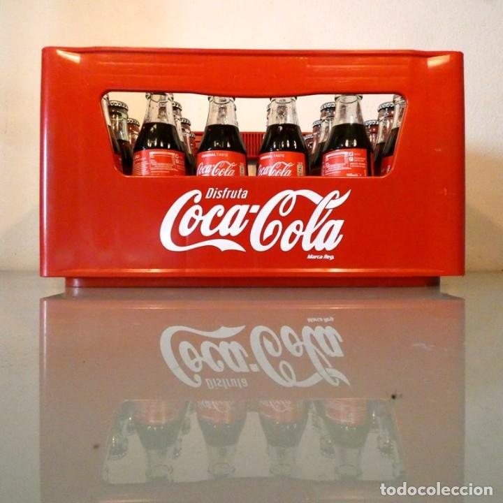 CAJA DE COCA-COLA + 24 BOTELLINES RETORNABLES (Coleccionismo - Botellas y Bebidas - Coca-Cola y Pepsi)