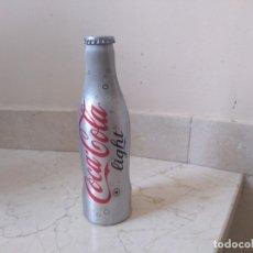 Coleccionismo de Coca-Cola y Pepsi: BOTELLA DE ALUMINIO 2005 COCA COLA LIGHT. LLENA A ESTRENAR. Lote 179020660