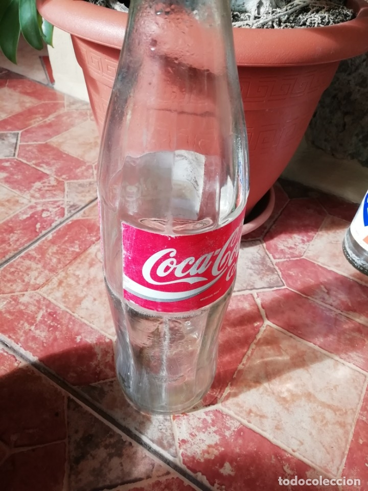 Coleccionismo de Coca-Cola y Pepsi: Antigua botella refresco gaseosa Coca Cola tapon rosca metalico litro años 80 y 90 - Foto 3 - 180275560