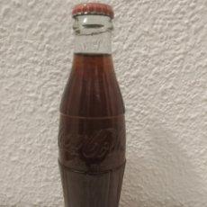 Coleccionismo de Coca-Cola y Pepsi: BOTELLA COCA COLA ARGENTINA LLENA. Lote 181625350