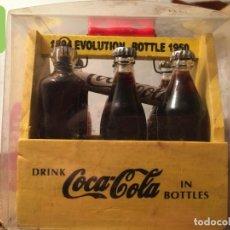 Coleccionismo de Coca-Cola y Pepsi: MINIATURA CAJA EVOLUCION BOTELLAS DE COCA COLA. Lote 182374683