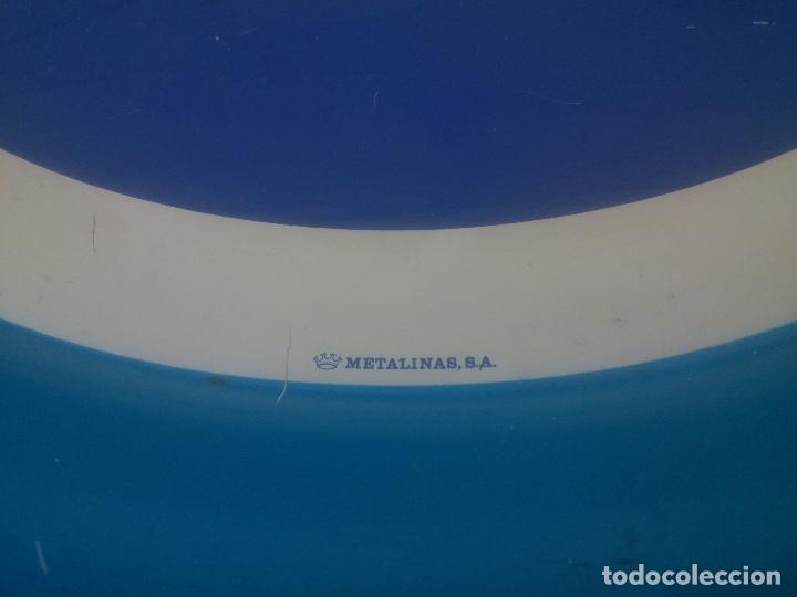 Coleccionismo de Coca-Cola y Pepsi: ANTIGUA BANDEJA METALICA DE PEPSI - ORIGINAL - LITOGRAFIA EN CHAPA - METALINAS SA - DIAMETRO 37,5 , - Foto 2 - 184317401