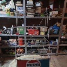 Coleccionismo de Coca-Cola y Pepsi: ANTIGUO EXPOSITOR PEPSI AÑOS 70 PARA BOTELLAS DE GRISTAL DE UN LITRO. Lote 184569845