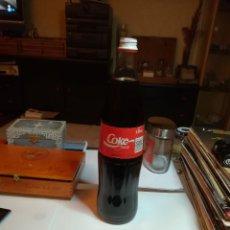 Coleccionismo de Coca-Cola y Pepsi: ANTIGUA BOTELLA COCA COLA DE CRISTAL, PRECINTADA. 1 LITRO. Lote 185678758