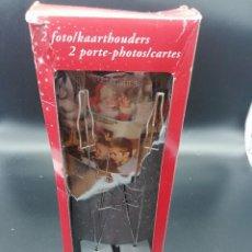 Coleccionismo de Coca-Cola y Pepsi: DOS CUELGA FOTOS COCA COLA. Lote 185729460